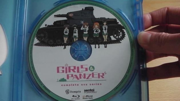 Girls_Und_Panzer_OVA_US_Unboxed_Disc