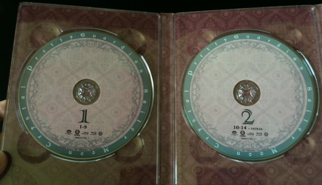 sailor-moon-crystal-set-1-limited-edition-combo-pack-bluray-unboxing-discs